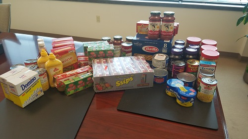Csg Employees Donate To Food Drive For Christine S Kitchen
